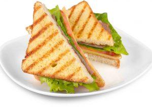 סנדוויץ' גבינה ועוד: מנות לאירוע ביתי